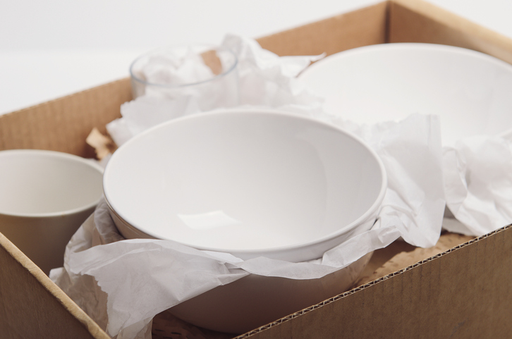 How to pack dishes for a move